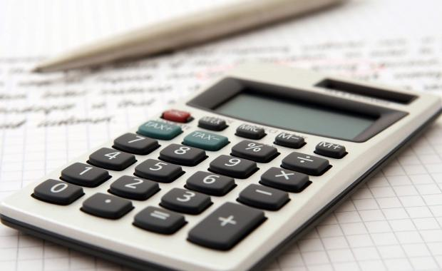 How To Get Into the Habit of Budgeting and Saving